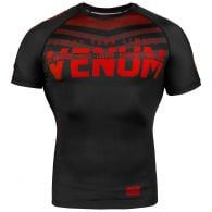 Venum Signature Rashguard - Short Sleeves - Black/Red