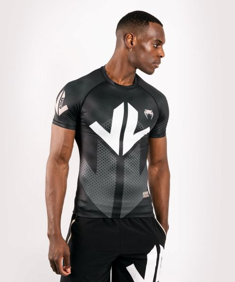 Camiseta de compresión de manga corta Venum Arrow Loma Signature Collection - Negro/Blanco