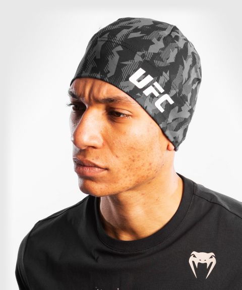 UFC Venum Authentic Fight Week Unisex Performance Beanie – Schwarz