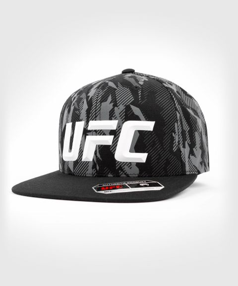 UFC Venum Authentic Fight Week Unisex Hat - Schwarz