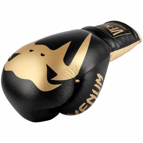Venum Giant 2.0 Pro Boxing Gloves - With Laces - Black/Gold