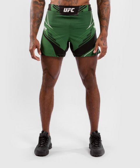 Fightshorts Uomo UFC Venum Authentic Fight Night - Vestibilità Corta - Verde
