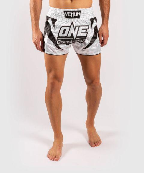 Venum x ONE FC Muay Thai-Shorts - Weiß/Schwarz