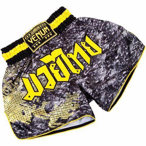 Venum Tramo Muay Thai Shorts - Negro/Amarillo