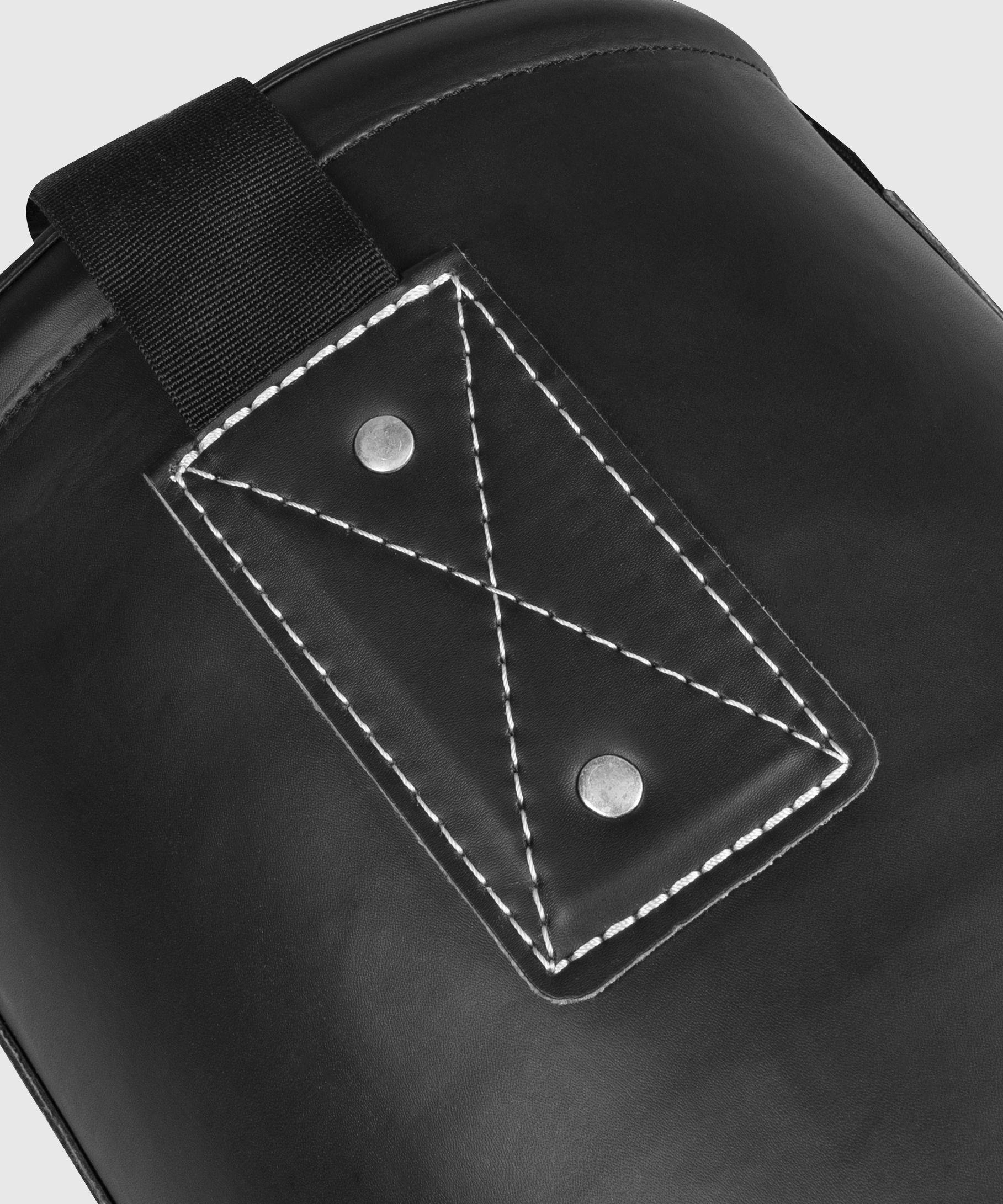 Venum Origins Sacco da boxe - Bianco/Nero (montaggio a soffitto incluso)