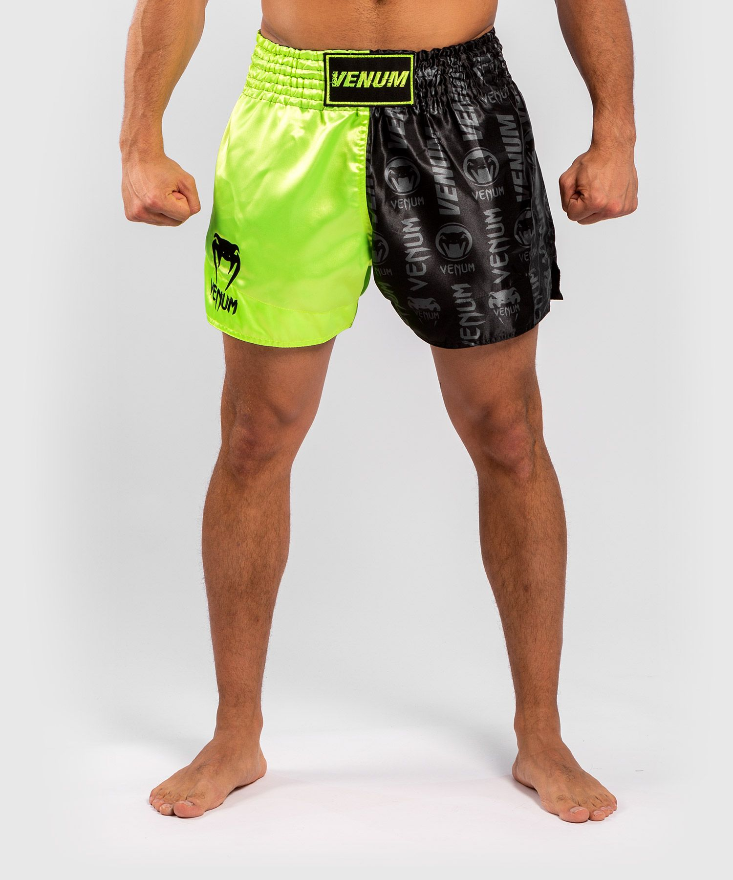Pantalones cortos Venum Logos Muay Thai - Negro/Amarillo