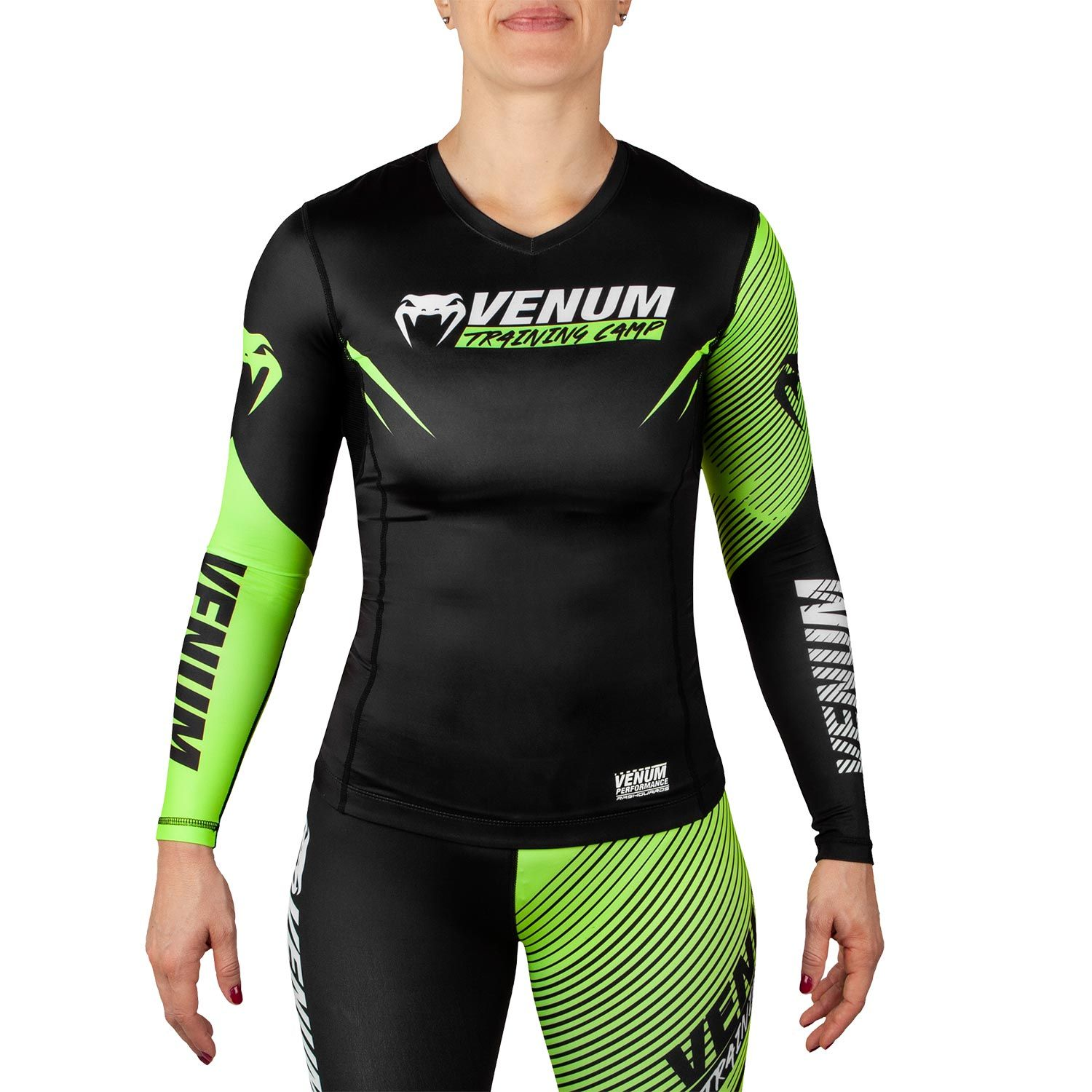 Rashguard Venum Training Camp 2.0 - Mangas Largas - Para Mujer