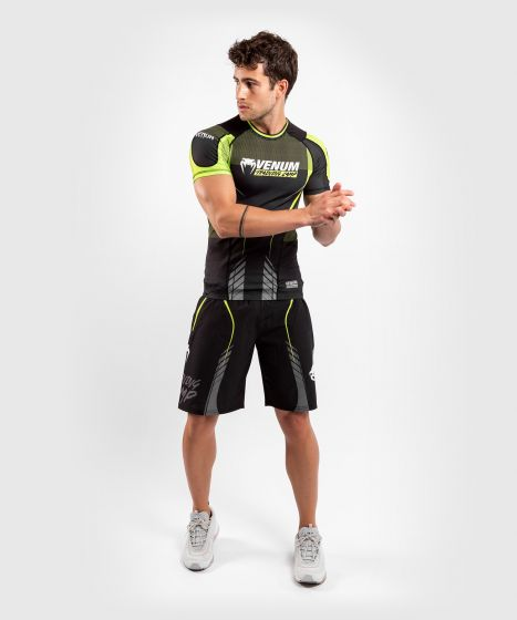 Venum Training Camp 3.0 Rashguard - Short Sleeves