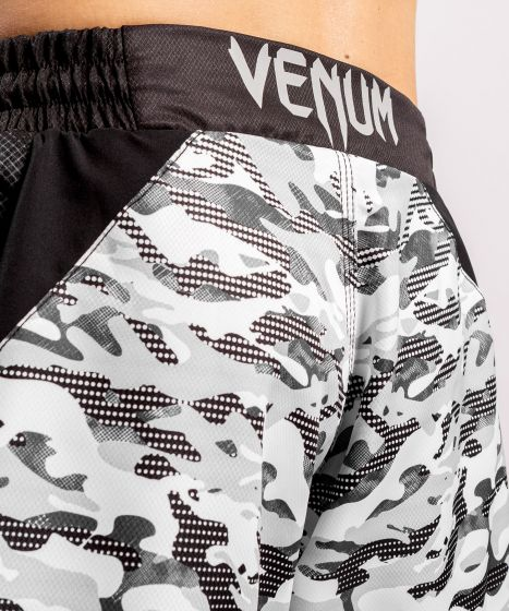 Pantaloncini da combattimento Venum Defender - Camo urban