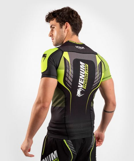 Rashguard Venum Training Camp 3.0 manga corta