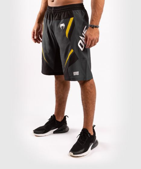 Pantalones cortos de Fitness ONE FC Impact - Gris/Amarillo