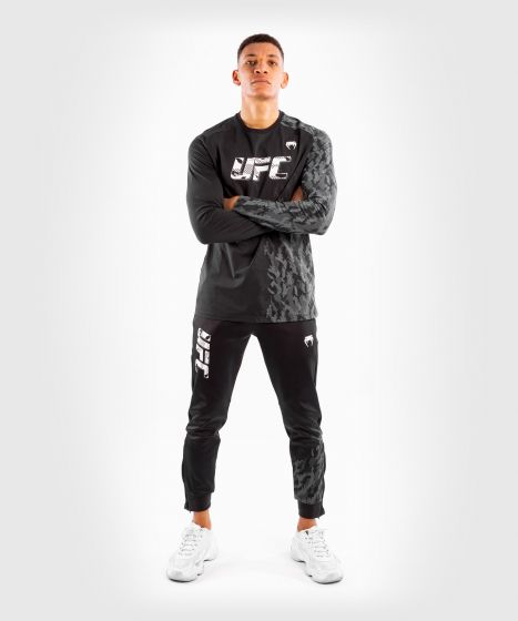 UFC Venum Authentic Fight Week Men's Long Sleeve T-shirt - Black