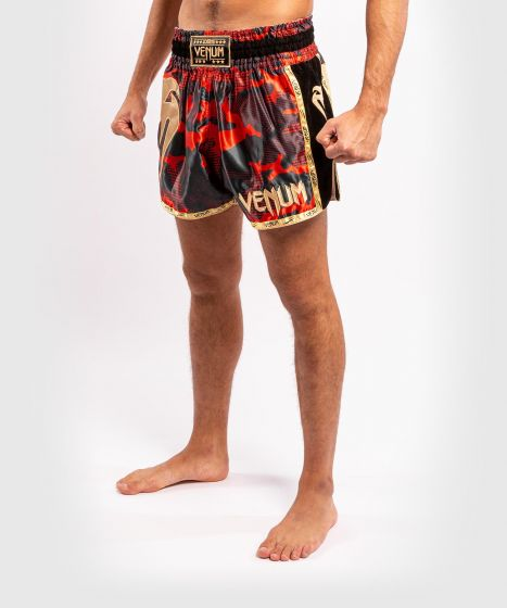 Muay Thai Shorts Venum Giant Camo - Rot/Gold