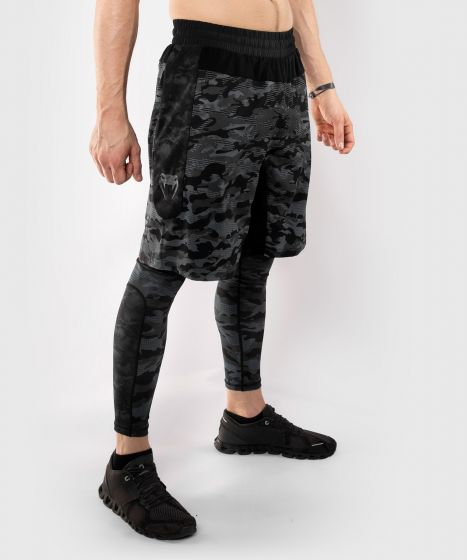 Shorts deportivos Venum Defender - Camo Oscuro