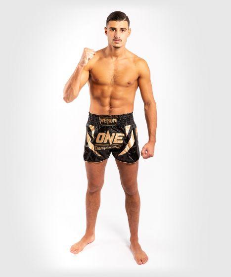 Venum x ONE FC Muay Thai-Shorts - Schwarz/Gold