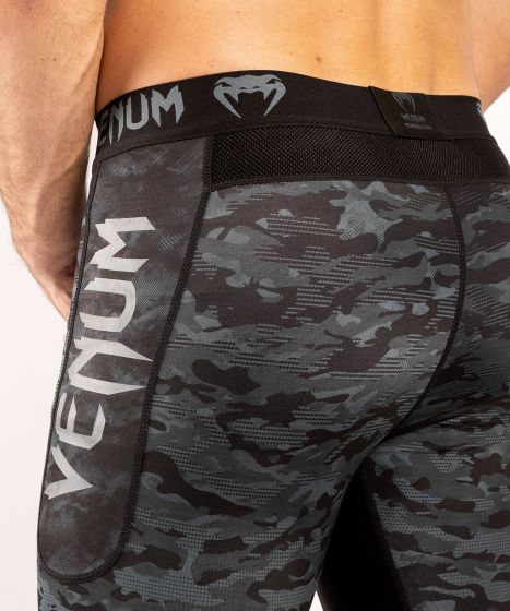 Shorts a compressione Venum Defender - Camo scuro