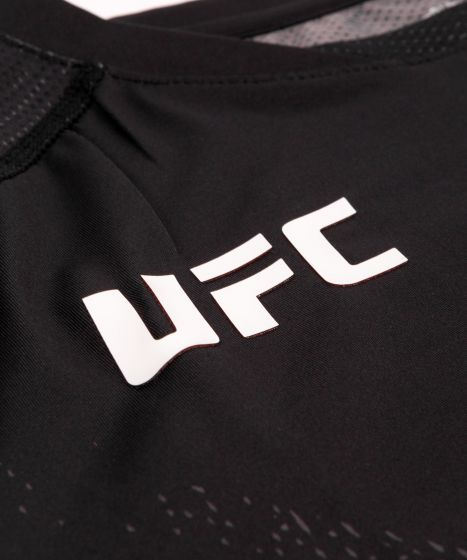UFC Venum Authentic Fight Night Walkout Herenshirt - Zwart