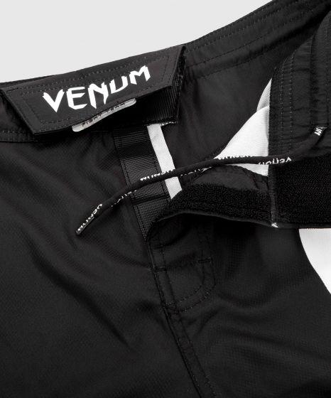 Venum Light 3.0 Kampfshorts - Schwarz/Weiß