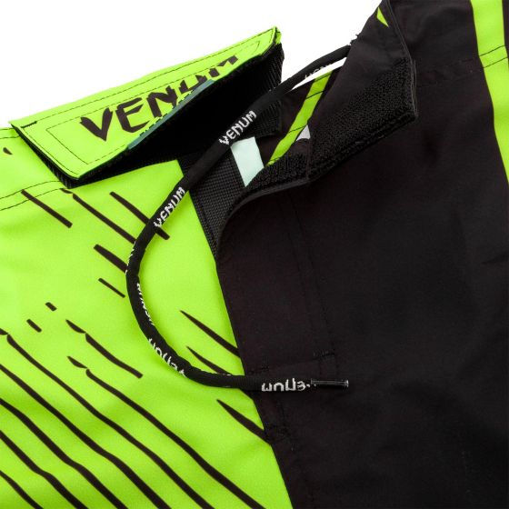 Venum Training Camp 2.0 Fightshorts - Black/Neo Yellow