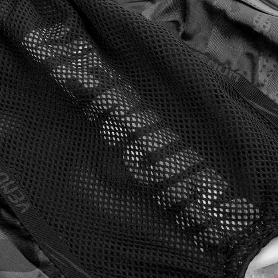 Pantaloncini da Muay Thai Venum Devil - Nero/Nero